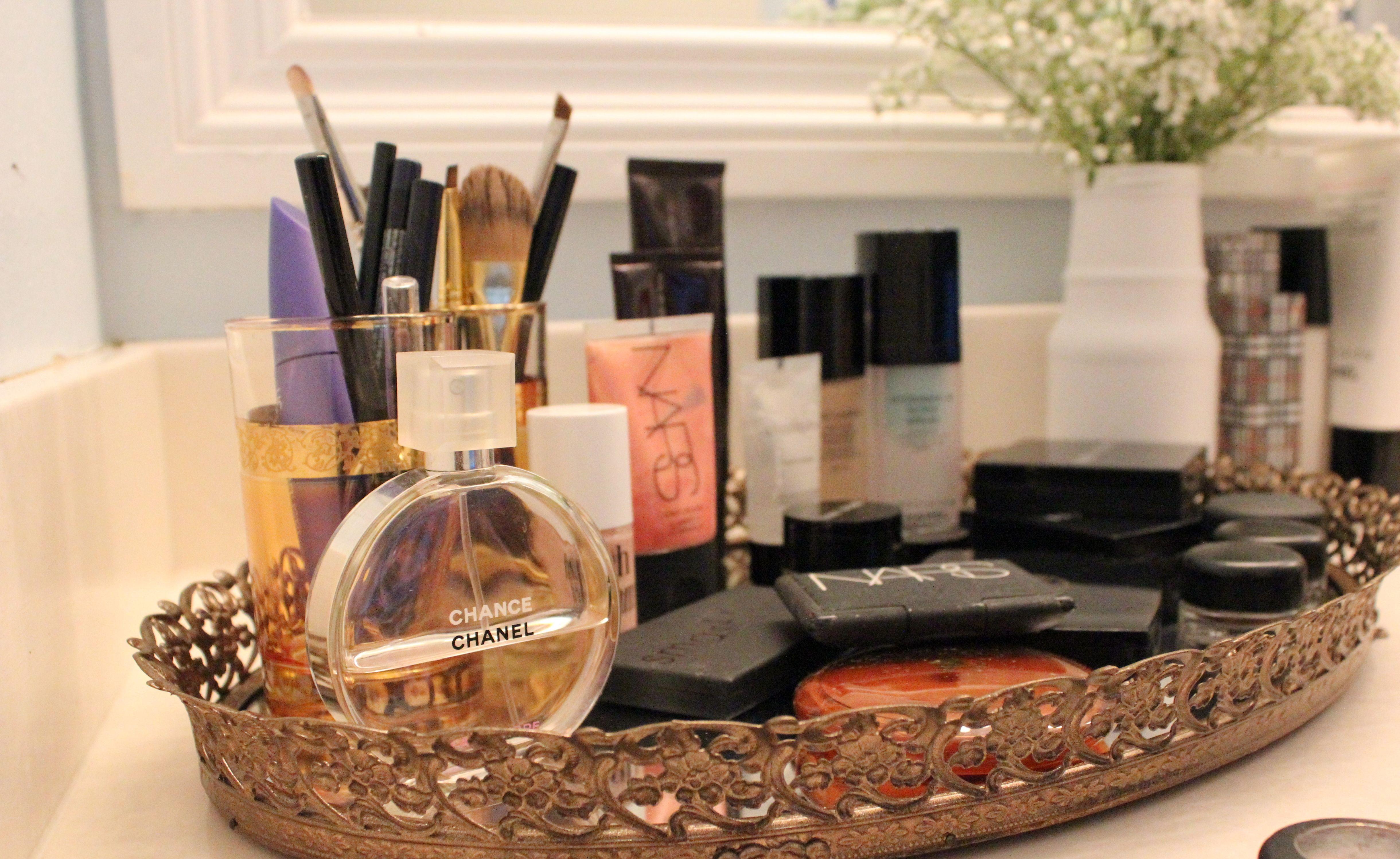 vanity setup, makeup tray | nyc apartment | pinterest | vassoio ... - Mobili Per Trucco