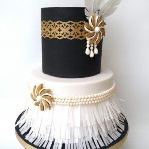 Roaring 20 S Cake With Images Gatsby Cake