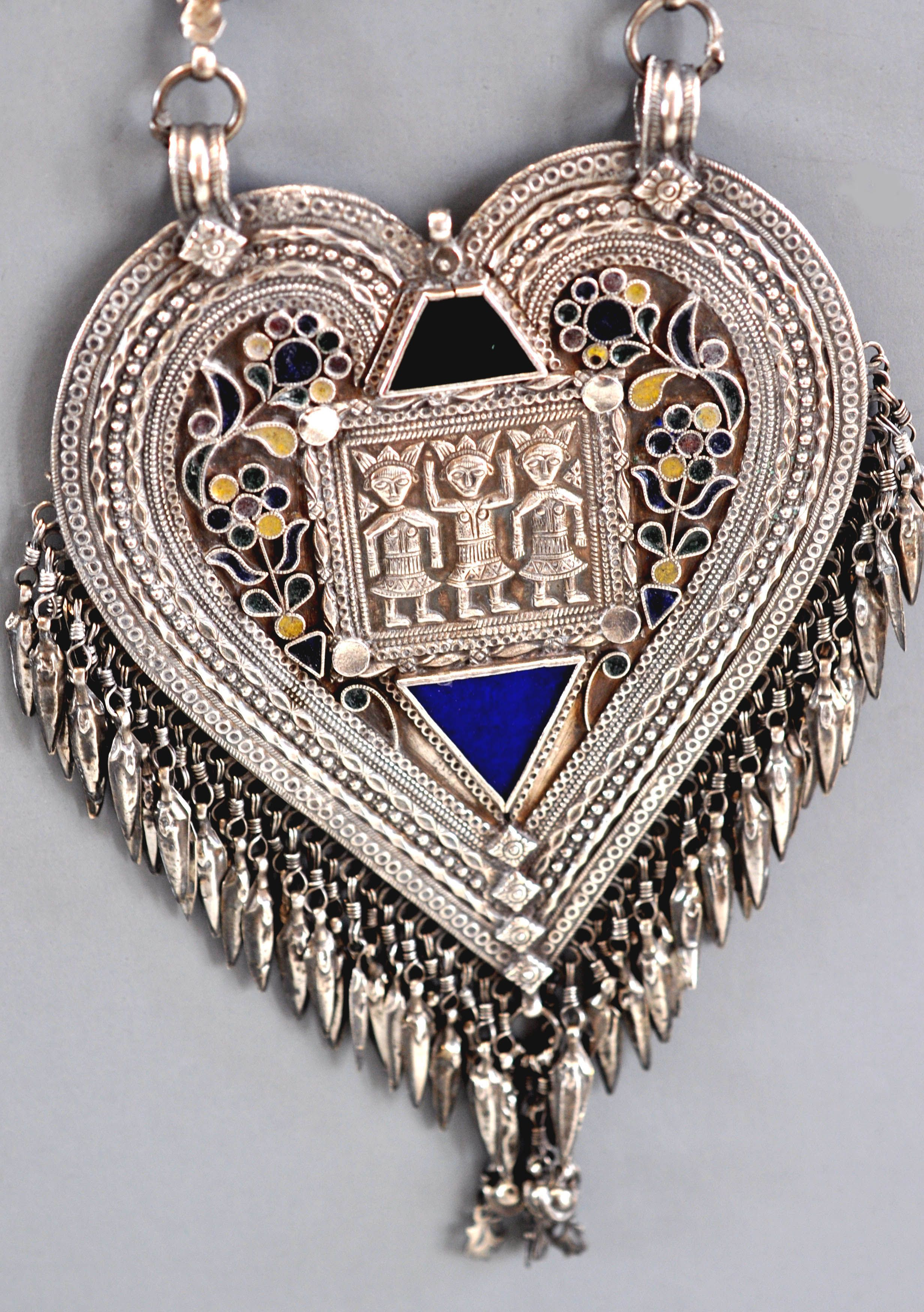 Detail of large necklace from Himachel Pradesh, India lt 19th c   (archives sold Singkiang)   info@singkiang.com