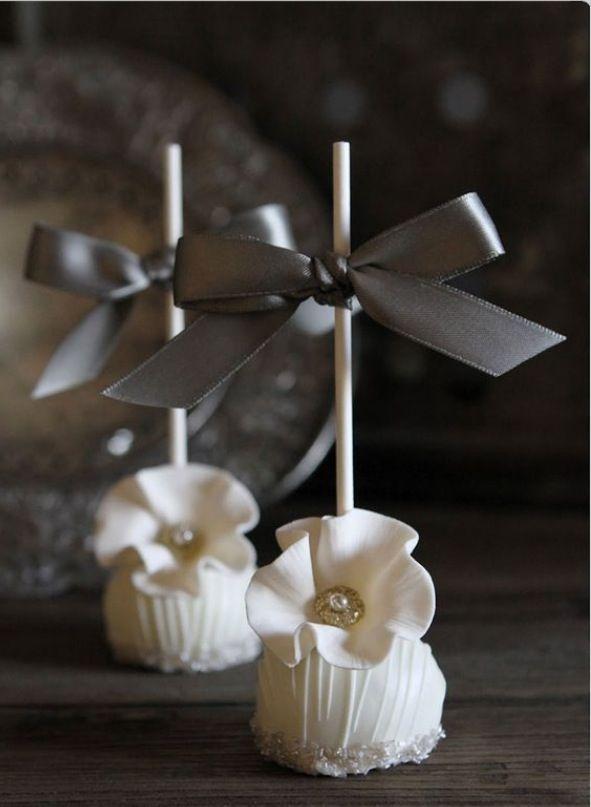 Cake pops de mariage /  Wedding cake pops