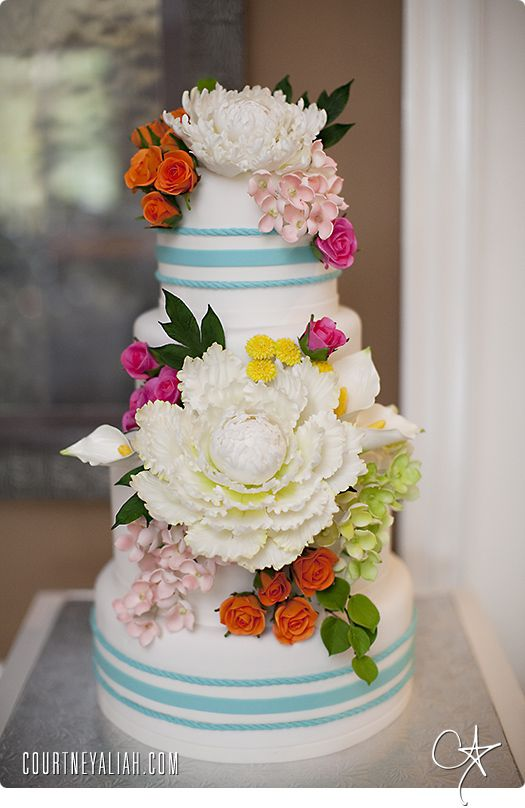 Amazing Sugar Flowers By The Talented Flour Flower Wilmington Nc Floral Cake Sugar Flowers Beautiful Wedding Cakes