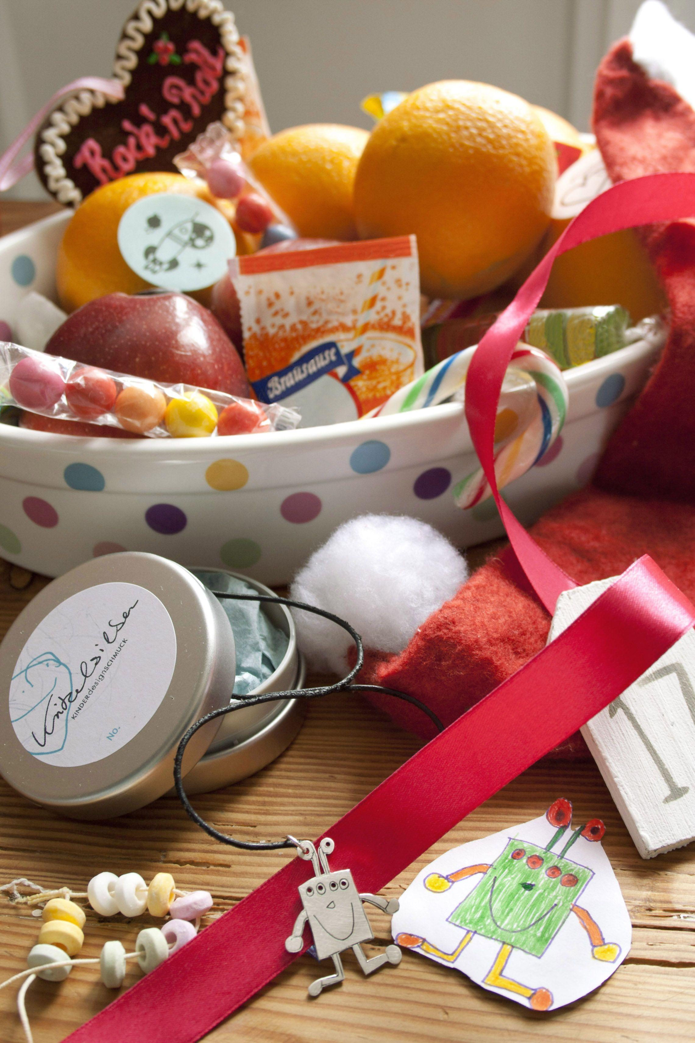 Weihnachten mit Kritzelsilber rockt ... und ist knallebunt!  #Schmuck #Silberschmuck #Kinderzeichnung #Kinderbild #Kunst #Design #Designschmuck #Kindermalerei #individualisierter #Unikat #Unikatschmuck #Kritzelei #Kinderschmuck #Weihnachtsgeschenk #Geschenk #Weihnachten #Silber #Kettenanhaenger #Silberanhaenger #Kinderkunst #Kette #Familie #Silver #Jewelery #Children #drawing #customized #individual #Family #Present #xmas #Monster #Roboter #robot #Monsterschmuck