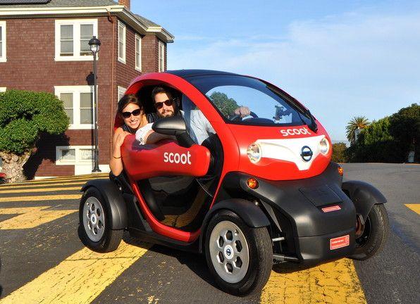 """Hoy en día, San Francisco tiene una nueva forma de viajar alrededor de la ciudad con la incorporación de 10 vehículos totalmente eléctricos de Nissan quien incorpora el servicio a la movilidad Scoot Networks. El """"Nissan Nueva Mobility Concept"""", también conocido como Scoot Quad, es un biplaza compacto 100 por ciento eléctrico con un alcance..."""