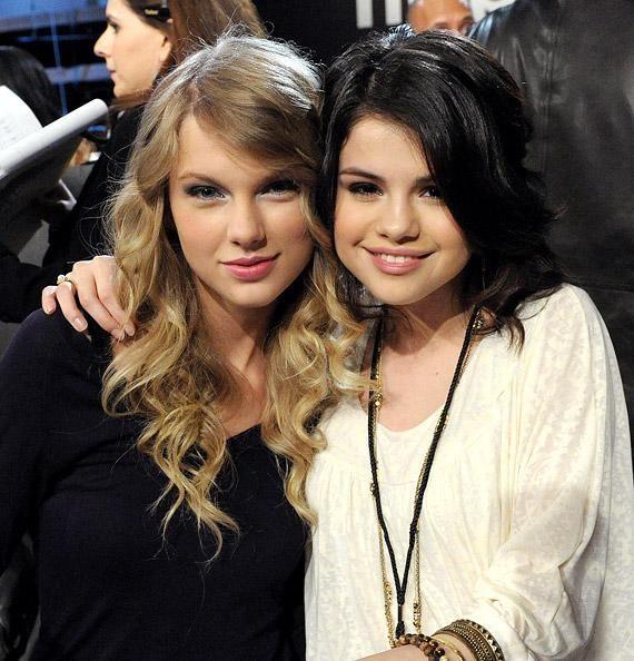 Selena Gomez Talks About Her Secret Vacation With Taylor Swift Selena And Taylor Selena Gomez Selena