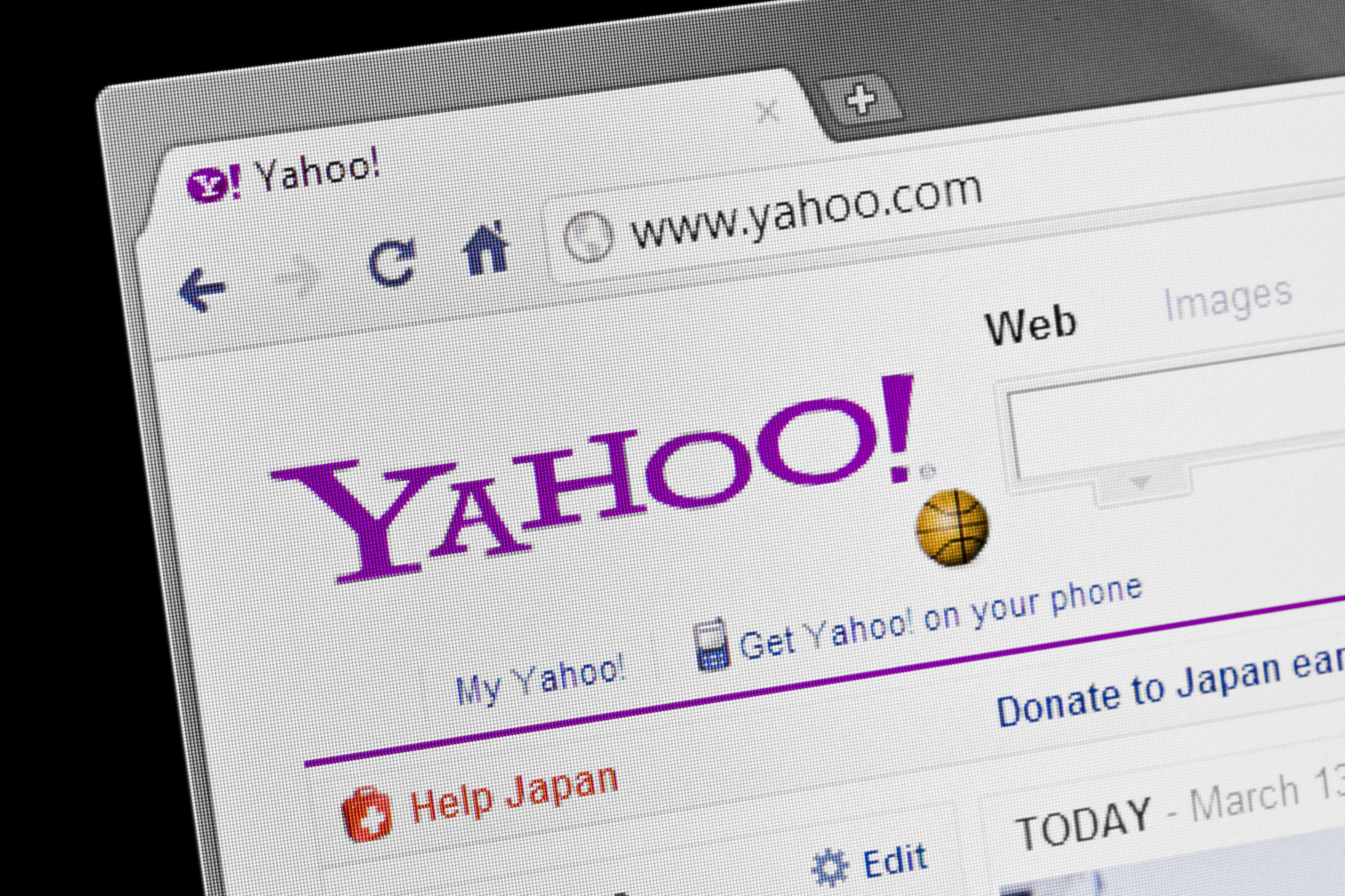 Here's How to Dump Your Old Yahoo Email But Keep Your Messages and