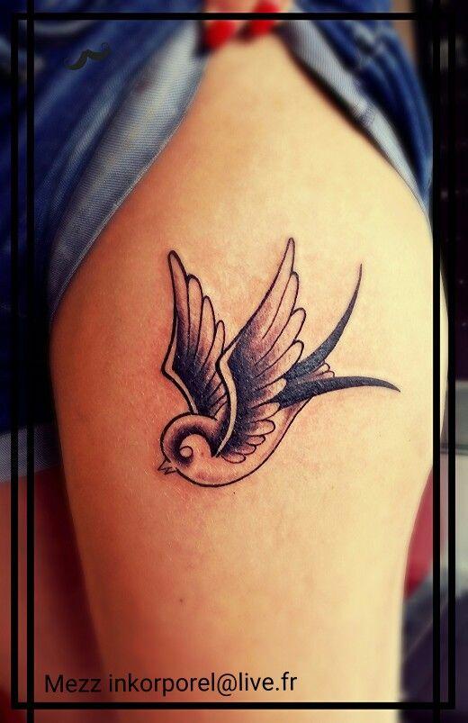 Mezz inkorporel tattoo miramas hirondelle old school noir
