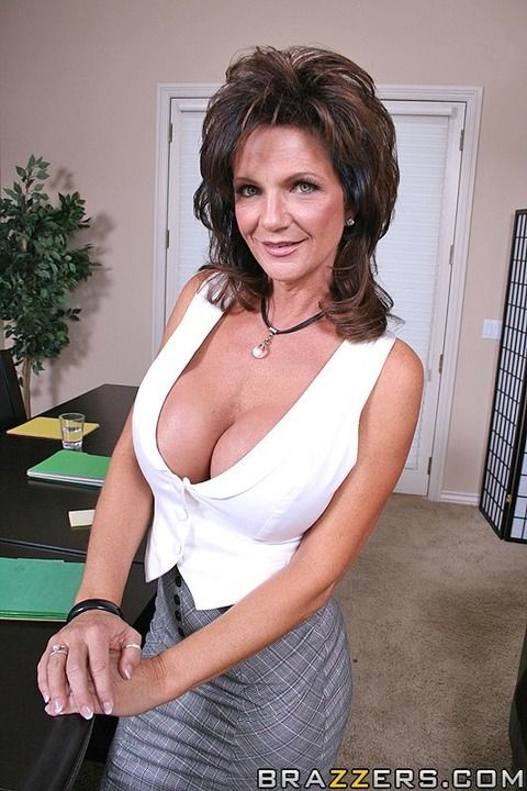 Pin On Deauxma Queen Of The Milfs