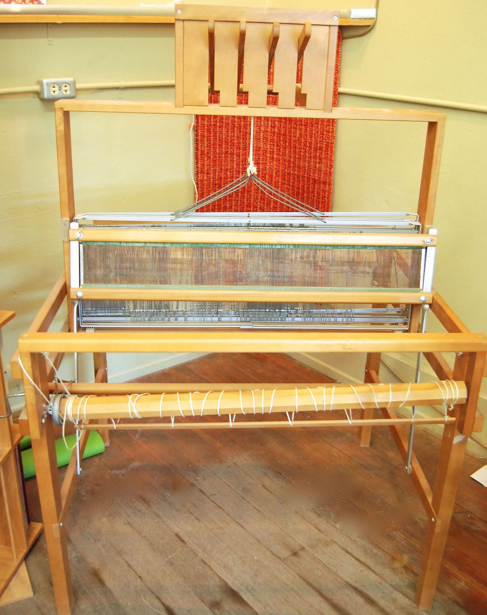 Pre-Owned LeClerc Nilus Table Loom w/ Stand, 4 Harness. 60% OFF New
