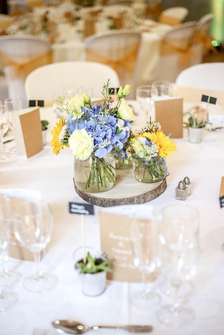 Centre Ce Table De Mariage Champetre Galette De Bois Et Bouquets