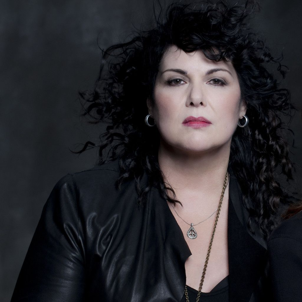 The 68-year old daughter of father (?) and mother(?) Ann Wilson in 2018 photo. Ann Wilson earned a  million dollar salary - leaving the net worth at 18 million in 2018