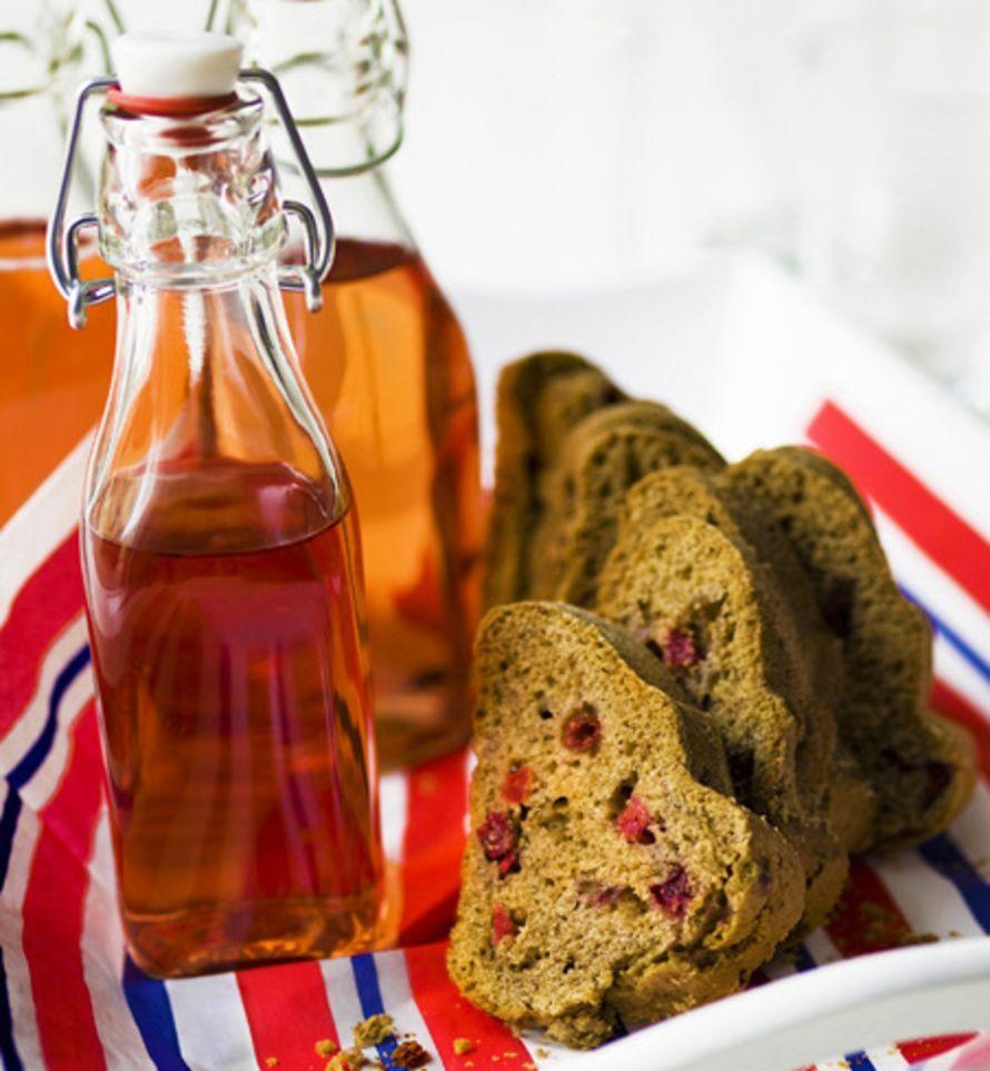 Aromikas karpalo ja täyteläisen pähkinäinen speltti tuovat maustekakkuun uusia maku-ulottuvuuksia. Maistetaanpa!