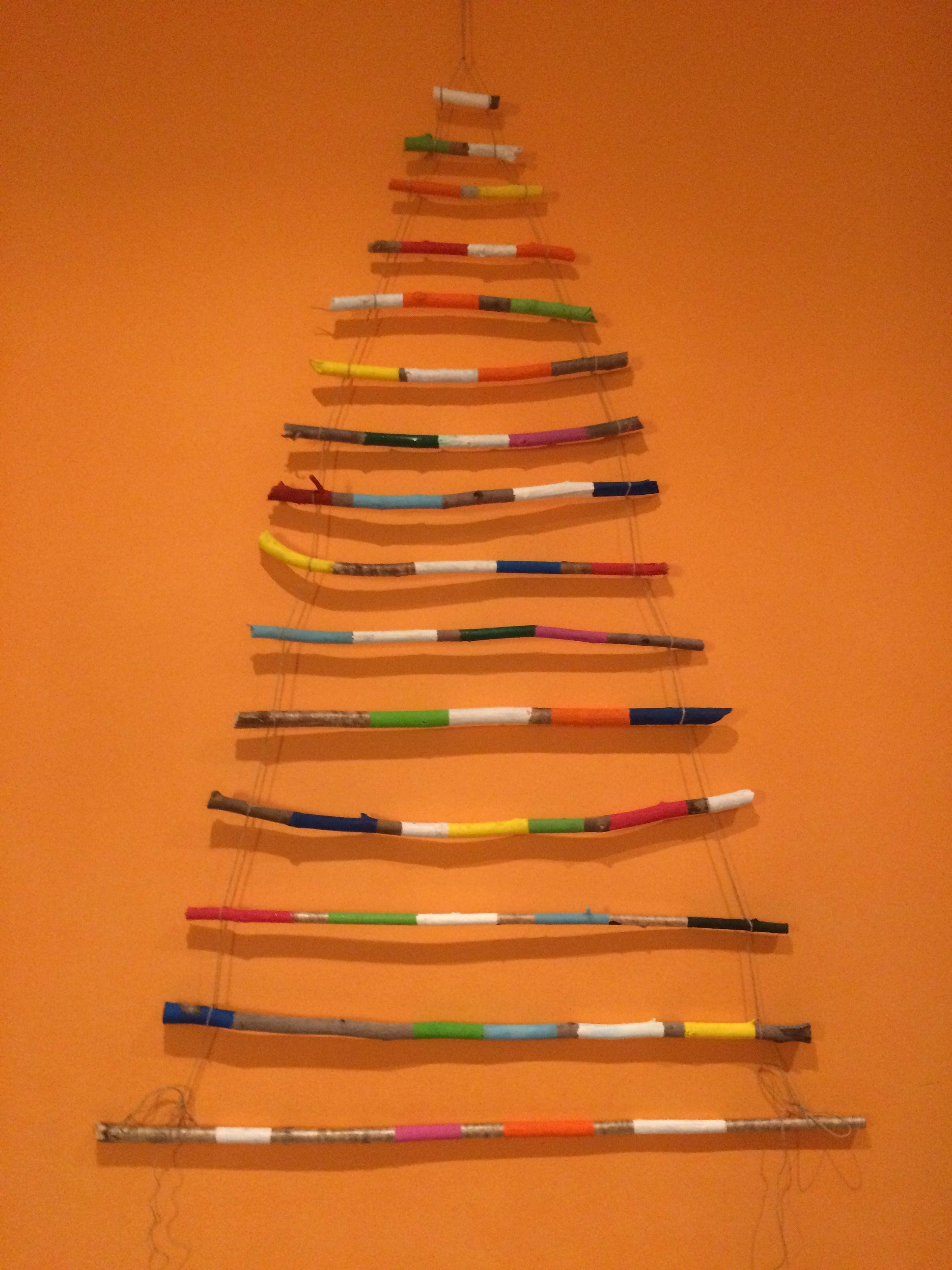 Árbol Navidad palos senderismo