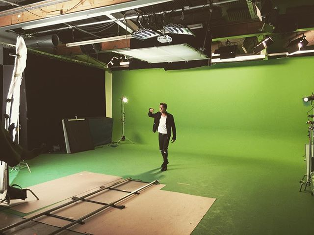 Matthew on the set of Kisses Back  (Music Video)