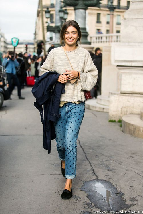 #AndreeaDiaconu casually killing it #offduty in Paris.