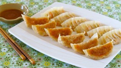 Create eat happy how to make vegetable gyoza vegetarian fried food forumfinder Image collections