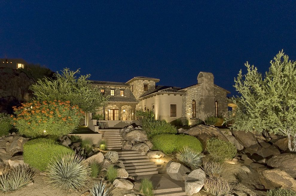 have you ever think about having desert landscaping ideas in your backyard or front yard