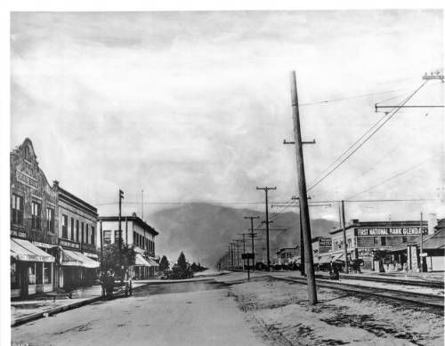 Page 1 :: Looking north on Brand Boulevard, Glendale, ca.1910 :: California Historical Society Collection, 1860-1960. http://digitallibrary.usc.edu/cdm/ref/collection/p15799coll65/id/1345