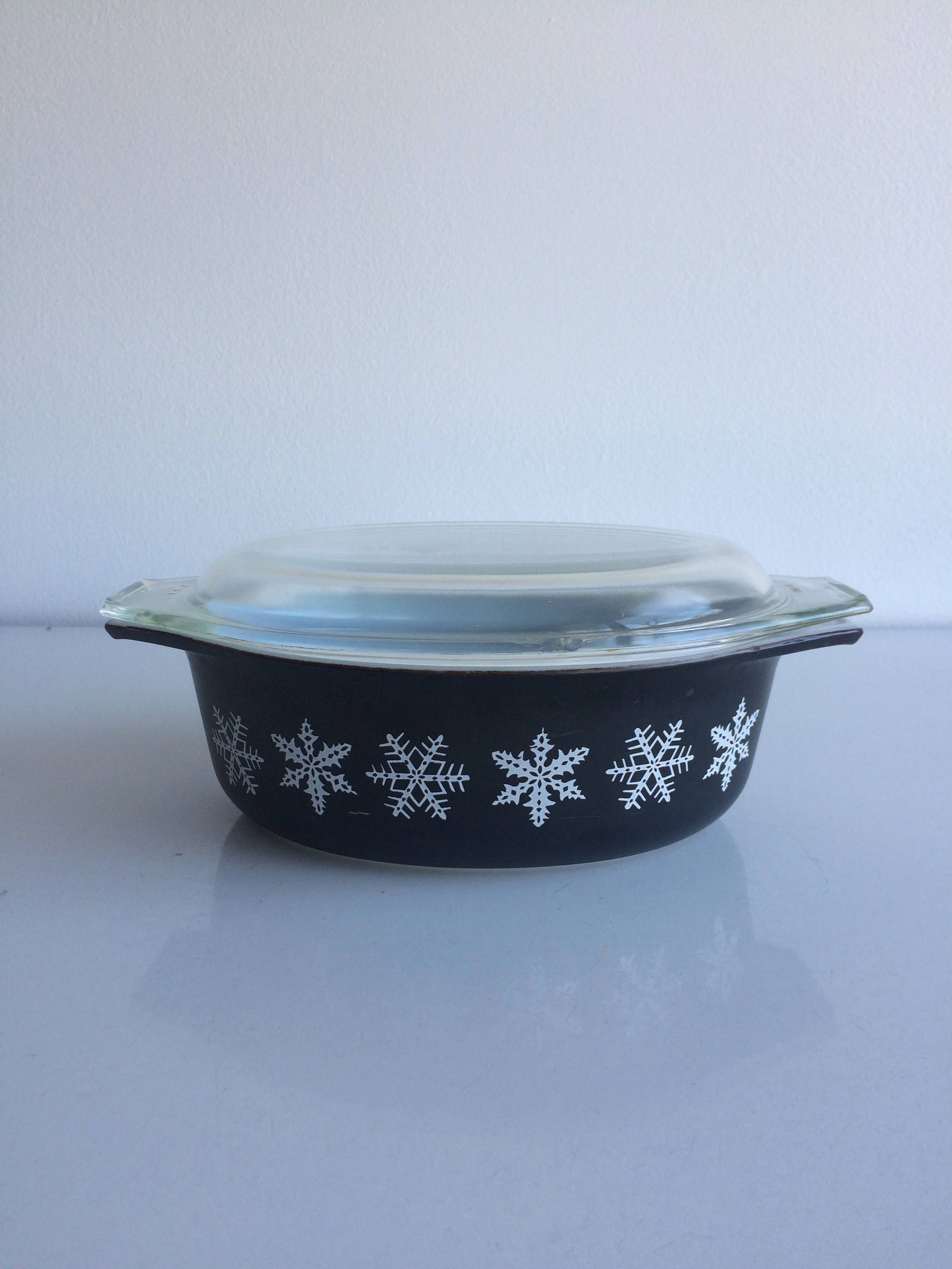 Vintage Pyrex Black & White Snowflake Casserole with Clear Glass Lid ...