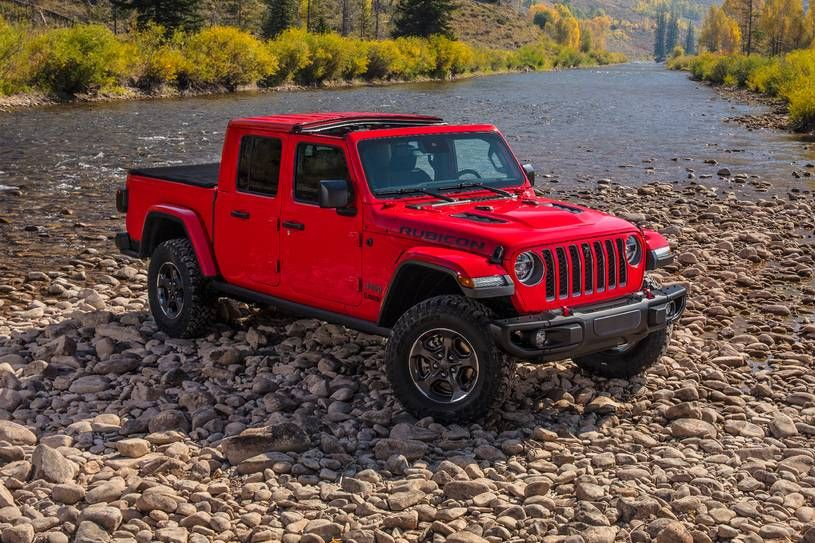 Save More And Read Reviews On The 2020 Jeep Gladiator Edmunds Jeep Gladiator Jeep Jeep Pickup