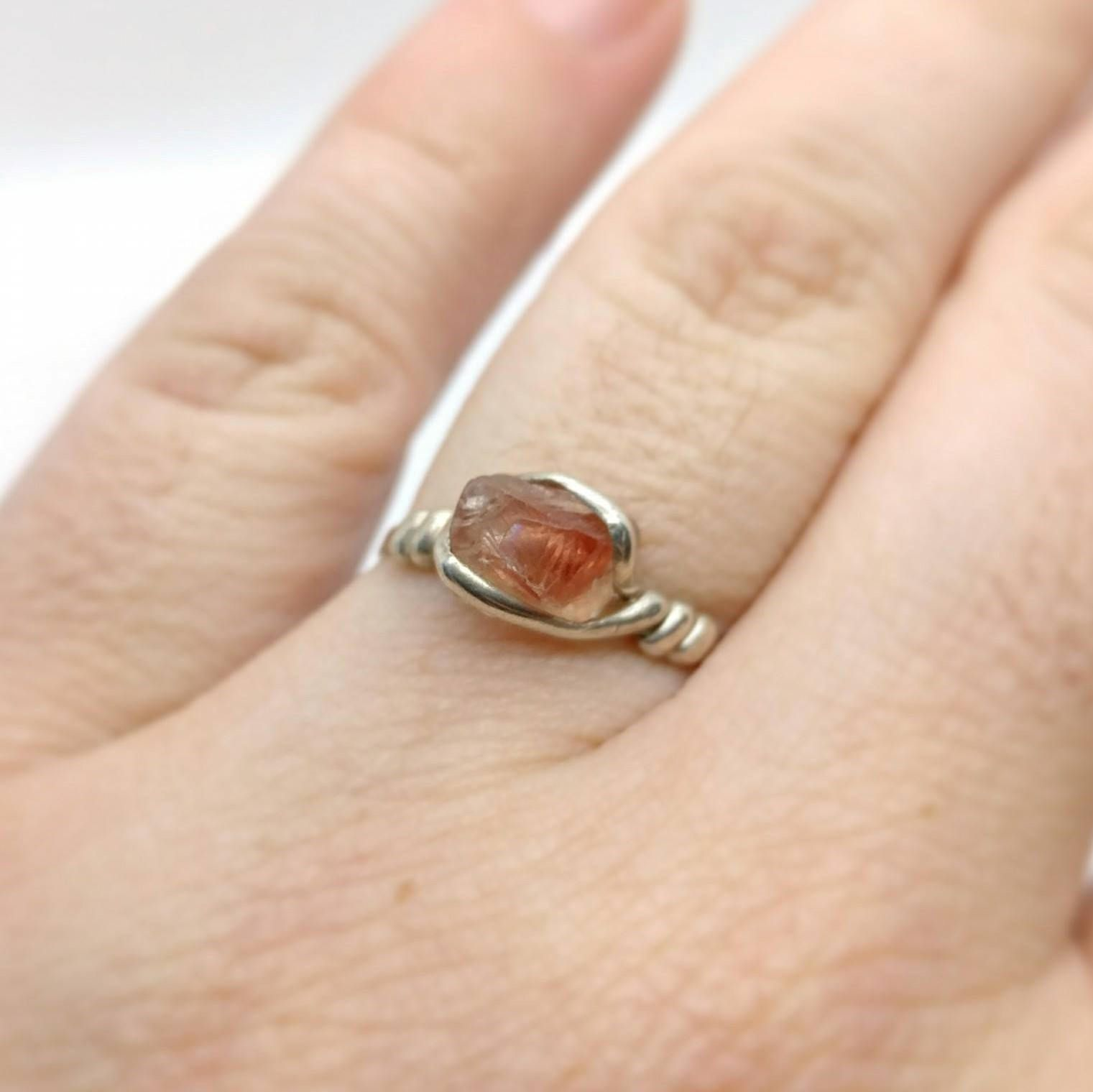 and engagement marquise sunstone pankowski tahitian gina oregon products ring color with pearl pistachio copy gold labradorite bi rings in orbit dsc