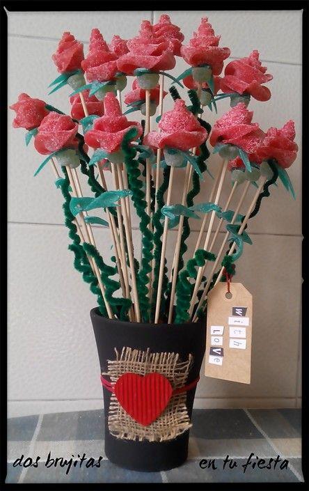 Rosas de regaliz. Centro de mesa. Candy bar. Mesa dulce. Fiesta temática. San Valentín. Ramo cumpleaños. Amor. Flores de gominola