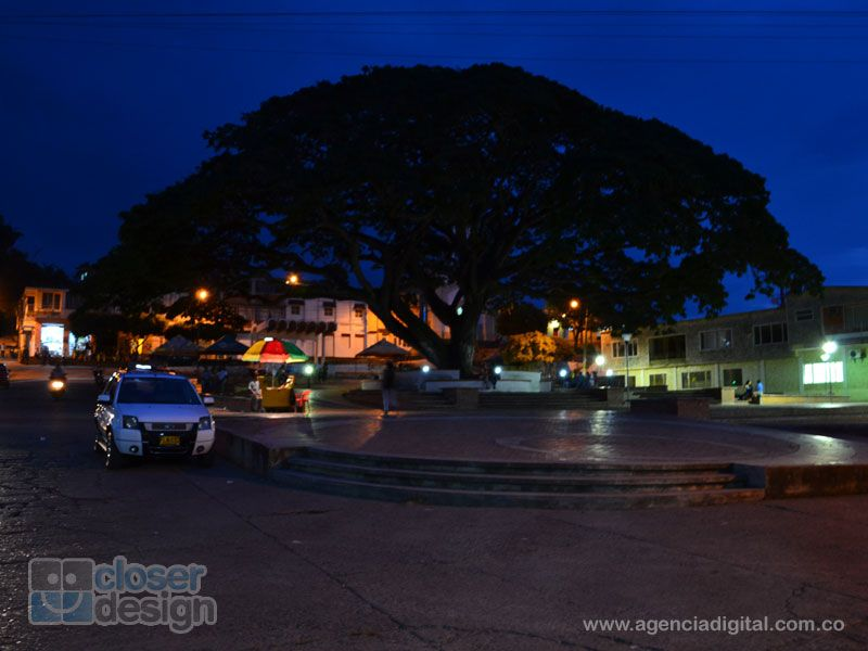Plaza principal del municipio de Landazuri.