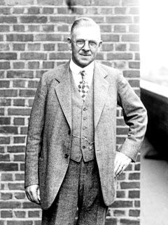 Ransom E. Olds From the Horse to Horsepower - Generations of GM