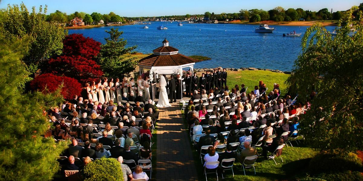 Danversport Yacht Club Weddings Price Out And Compare Wedding Costs For Ceremony Reception Venues In Danvers Ma