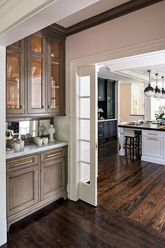 Modern Classic Kitchen Design: Butler's Pantry The Butler's Servery Was Expanded With