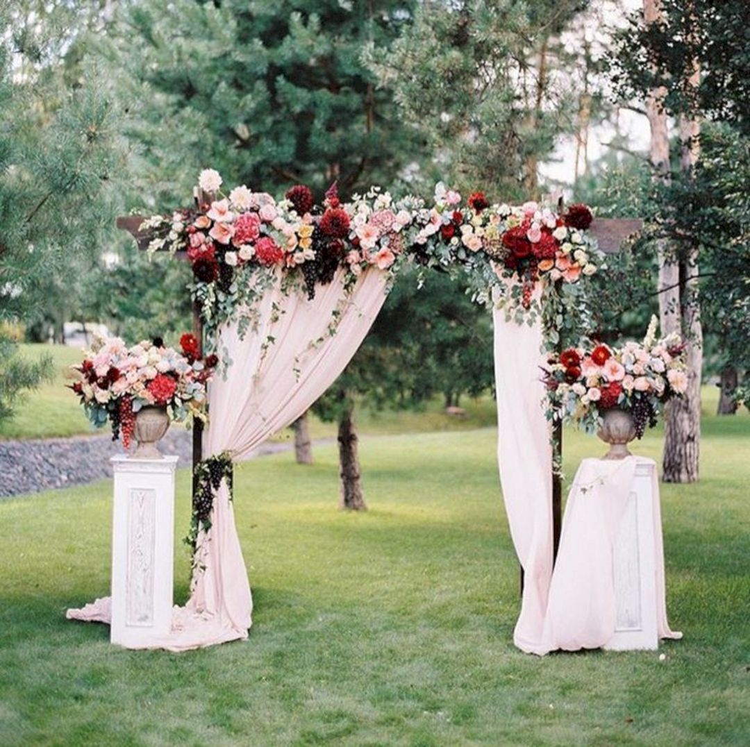 Incredible Wedding Arch Design