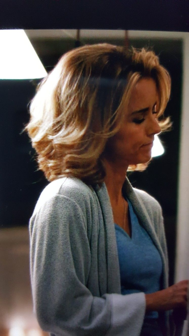 Tea Leoni Madame Secretary Hair Tea Tea Leoni Medium Hair Styles