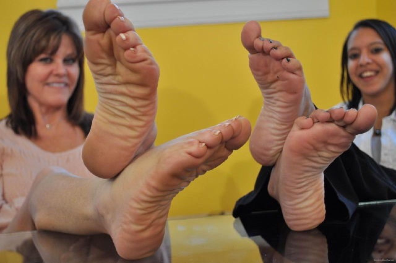 Feet Elegant mature