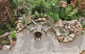 Garden Design Close To Nature Gravel Wood Natural Stones Vegetable