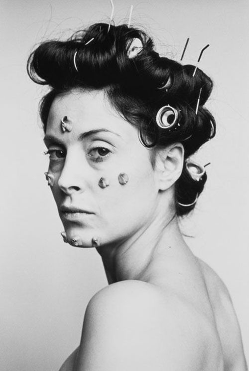 Hannah-Wilke, photograph from S.O.S Starification Object Series, 1974.