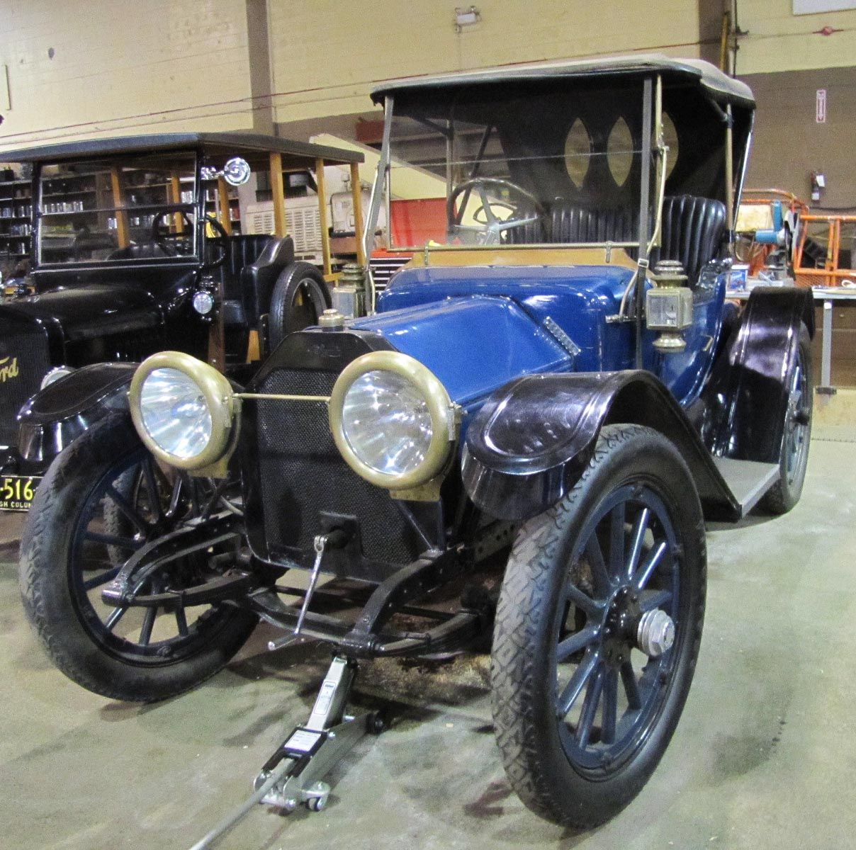 1913 mclaughlin buick model 2dcpe features a hand crank for Mclaughlin motors used cars