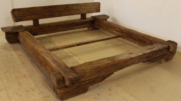 Altholzmobel Haben Charakter Dieses Bett Aus Altholzbalken Alter