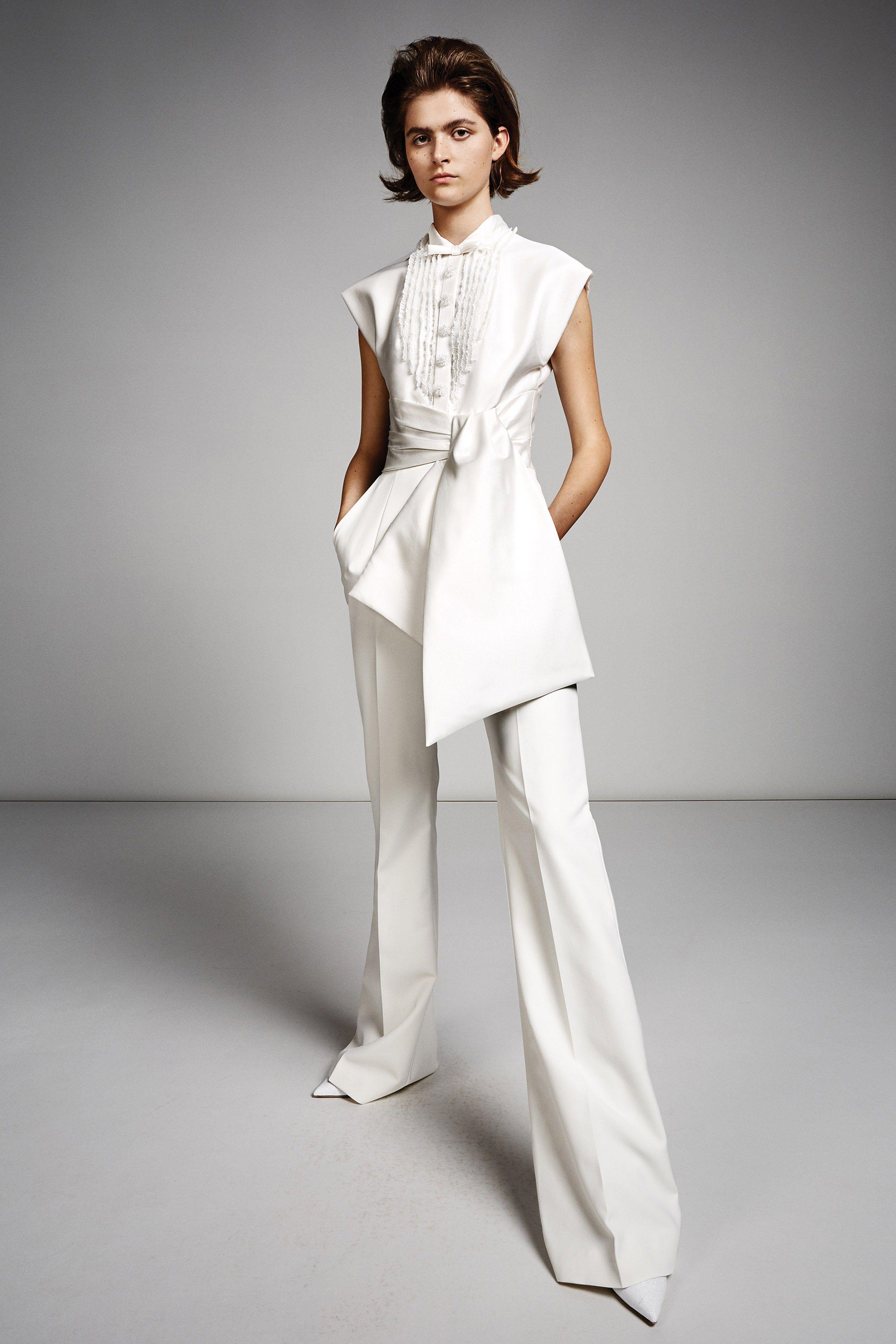 ffa94aa004 Viktor   Rolf Fall 2019 Bridal Collection - Vogue