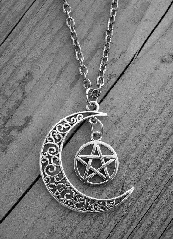 Silver Howling Wolf Moon Celtic Pentacle Pentagram Pendant on 18
