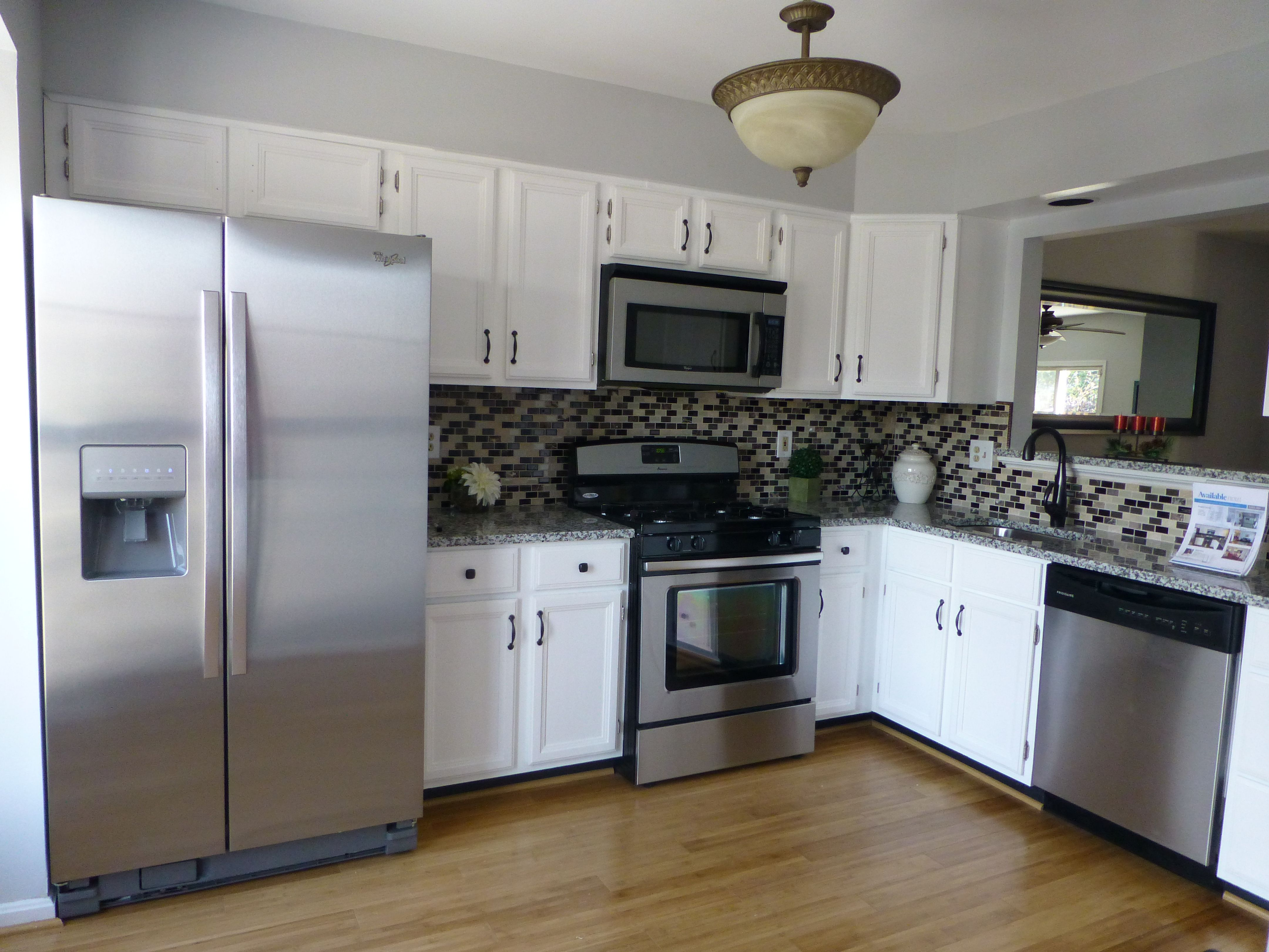 Gorgeous Updated Home For Sale in lake Ridge, VA 22192