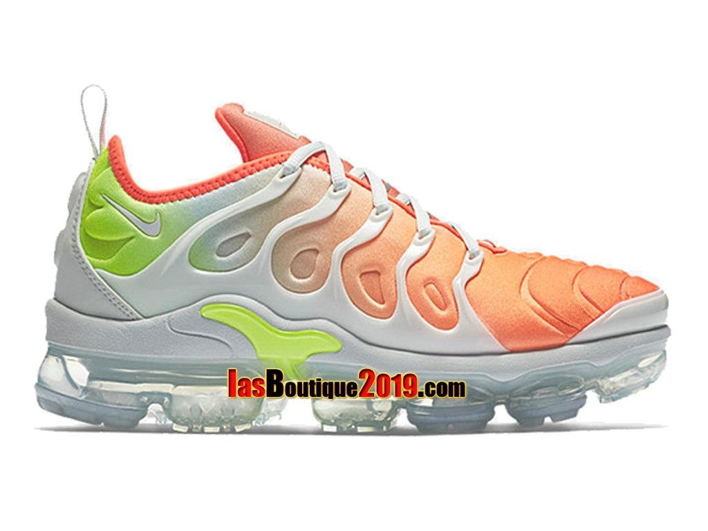 Nike Air Vapormax Plus Barely GreyTotal Crimson AO4550 003
