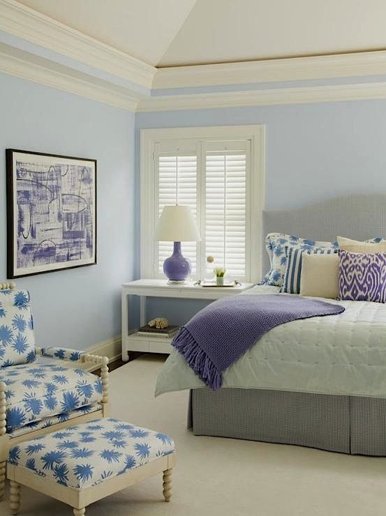 cool, fresh colors for bedroom - pale violet walls, white ...