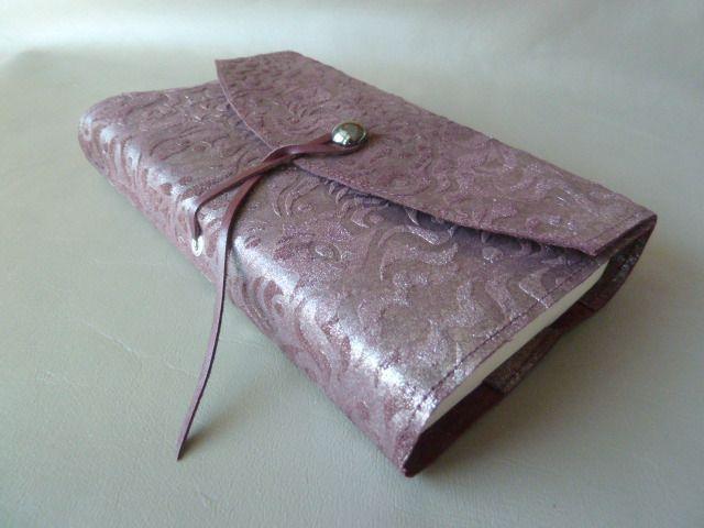 pour livres de 18 cm de hauteur maxi prot ge livre adaptable en cuir de vachette reliefs