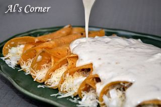 Panchos Sour Cream Enchiladas For Years I Been Trying To Copy The Flavor And Style Of Thier E Sour Cream Enchiladas Enchilada Recipes White Enchiladas Recipe