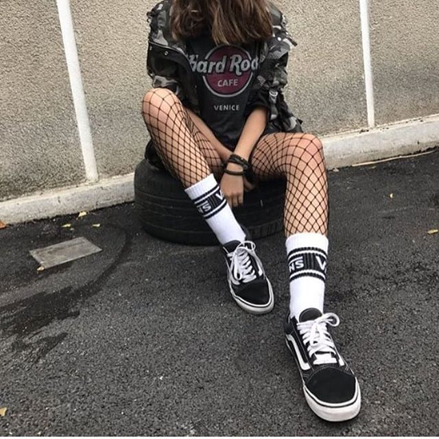 I only crie when I hit the ground - - - - #grunge #tumblr