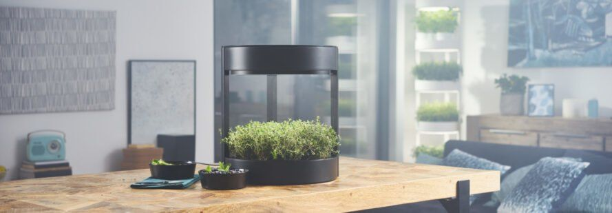 Automatic Soil Less Garden System Lets You Grow 76 Plants 640 x 480