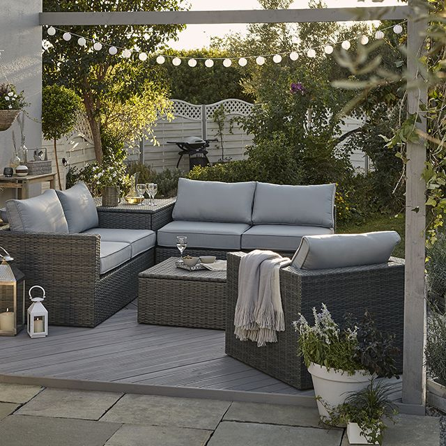 Offrant 5 places assises très confortables, le salon de détente gris ...