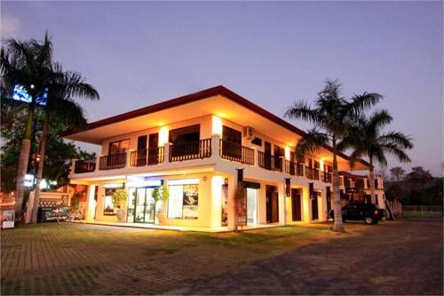 Blue Palm Hotel Jaco Located 500 metres from Jaco Beach, this hotel is a few minutes? walk from the town?s main avenue. Blue Palm Hotel offers an outdoor swimming pool and free parking.