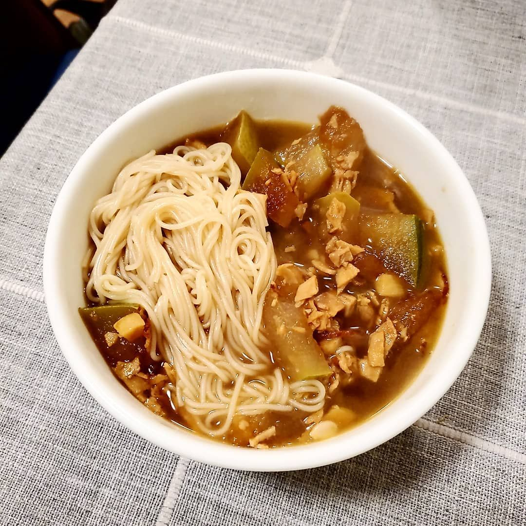 I'm leaving on Thursday for New Hampshire so this is just random stuff in my fridge: braised winter melon with sliced...#newrecipe #fallrecipes #fitfoodie #healthymeals #easydinner #foodblogfeed #easydinners #easyrecipe #allrecipes #lentils #recipes #recipeshare #recipesbook #recipesharing #recipeswap #RecipesThatCrock #recipesforwomen #recipesuccess #RecipesVideos #wintermelon