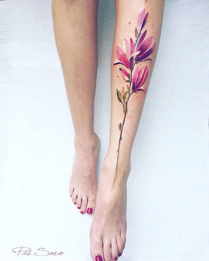 Les-delicats-tatouages-de-fleurs-de-Pis-Saro-4 Les délicats tatouages de fleurs de Pis Saro