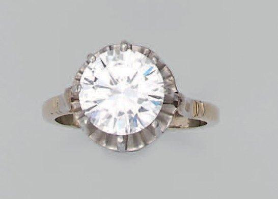 707 840 € #Bague en #platine et #or gris, ornée d'un exceptionnel #diamant taillé en brillant. Accompagné de certificats du GIA 2010 et 2014 indiquant : couleur : D (blanc exceptionnel), pureté : flawless (pure). Poids du diamant : 7,58 cts – Poids brut : 4,6 g OVV Ferri, vente le 9 avril 2014